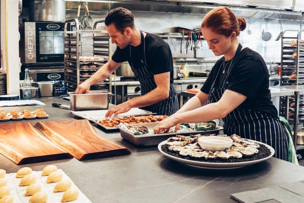 restaurant cooks